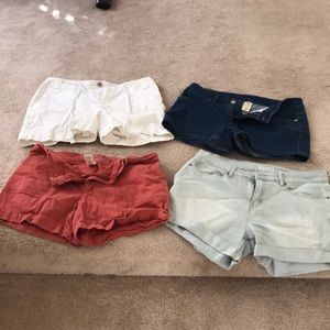 3pairs of shorts